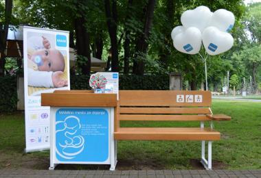 Beograd dobio prvu klupu za dojenje zahvaljujući kompaniji Keprom